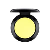 Sombra Mac Shadows Matt 1.5 g. Este producto tiene un precio especial ya que el empaque presenta avería.