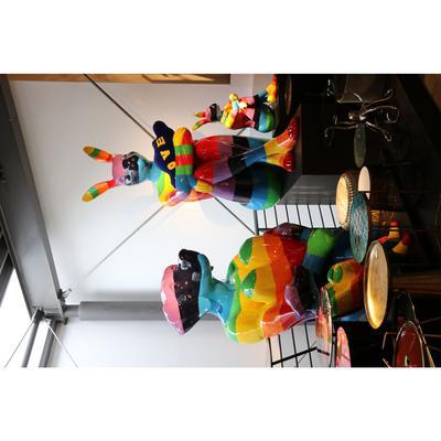 Figura deco Sitting Dog Rainbow 173cm